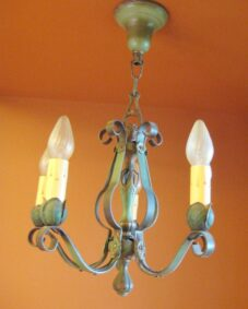 EIGHTEEN 1920s lights. A houseful of matching fixtures.