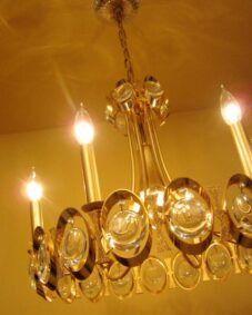 Extraordinary 1970s 24K gold crystal chandelier by Sciolari.